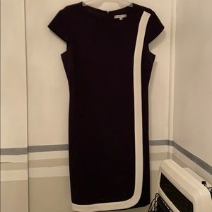 Sandra Darrin Dress Black  and white shift size 6p